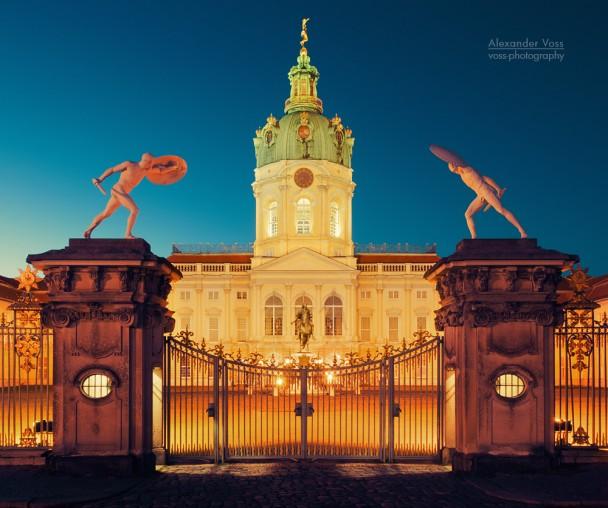 Berlin - Schloss Charlottenburg bei Nacht
