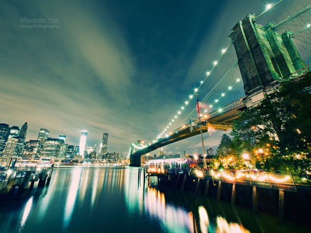 New York - Brooklyn Bridge bei Nacht