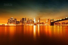 New York – Skyline bei Nacht / Brooklyn Bridge