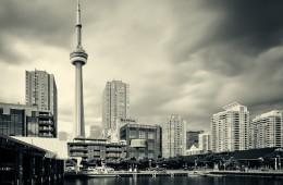 Toronto – Harbourfront Skyline / CN Tower