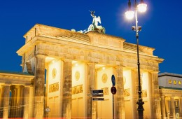 Berlin – Platz des 18. März / Brandenburger Tor