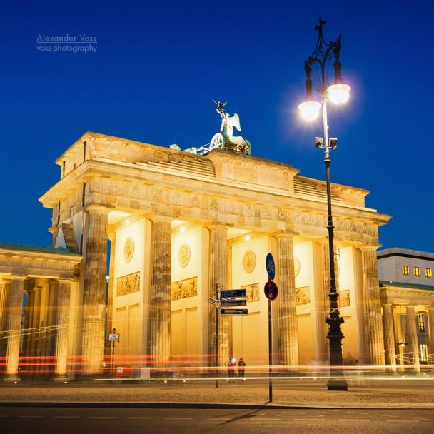 Berlin - Platz des 18. März / Brandenburger Tor