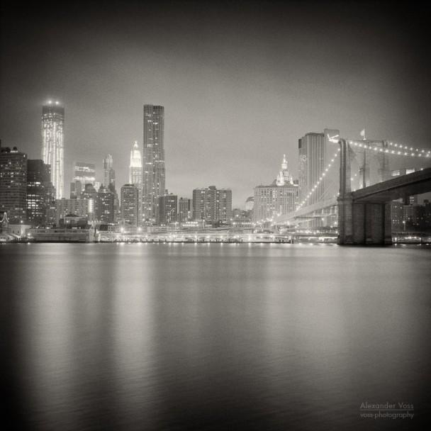 Analoge Fotografie: New York City - Skyline bei Nacht