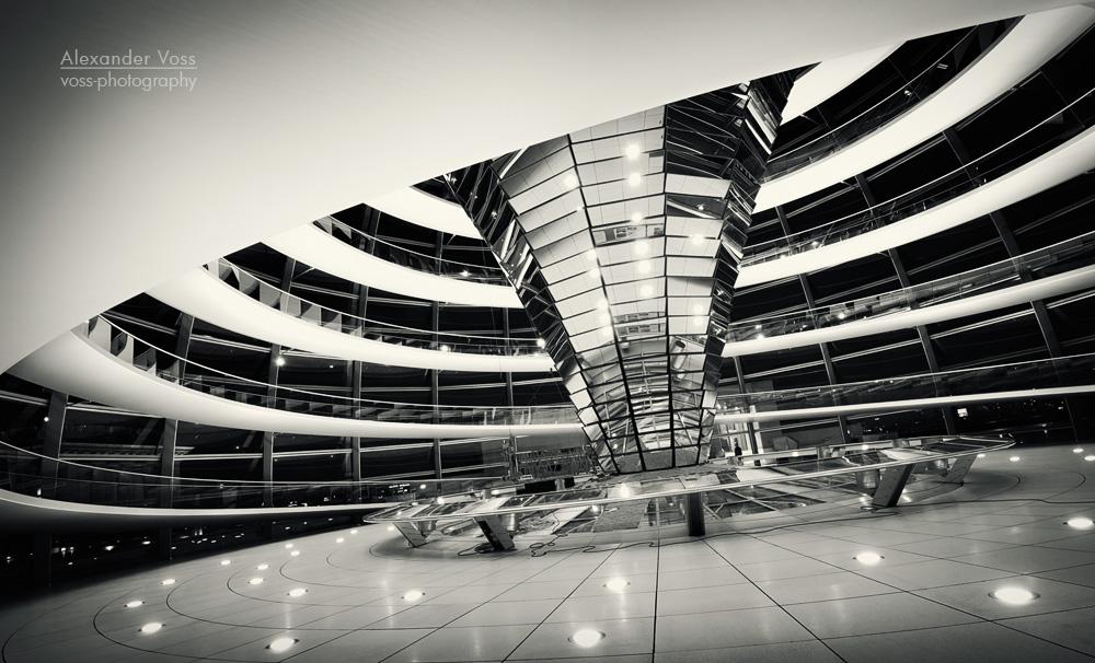 architekturfotografie berlin reichstagskuppel schwarz
