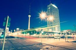 Berlin bei Nacht: Alexanderplatz