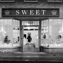 Black and White Photography: Boston – Sweet Cupcakes