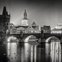 Schwarz-Weiss-Fotografie: Prag – Karlsbrücke