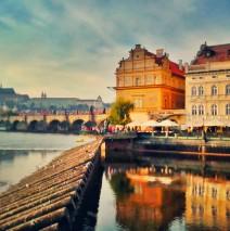 Prag – Moldau und Karlsbrücke