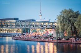 "Berlin – ""Capital Beach"" Strandbar am Hauptbahnhof"