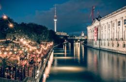 Berlin bei Nacht: Strandbar Mitte