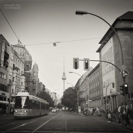 Analoge Schwarzweiss-Fotografie: Berlin – Oranienburger Strasse