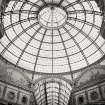 Analoge Schwarzweiss-Fotografie: Mailand – Galleria Vittorio Emanuele II