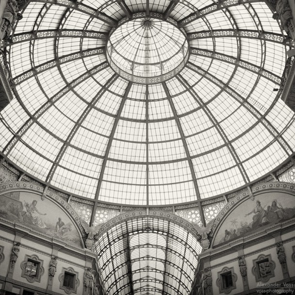 Analog Black and White Photography: Milan - Galleria Vittorio Emanuele II