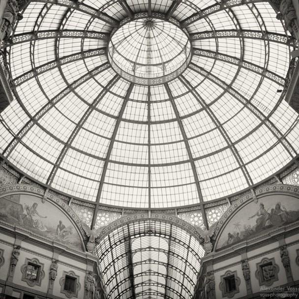 Analoge Schwarzweiss-Fotografie: Mailand - Galleria Vittorio Emanuele II