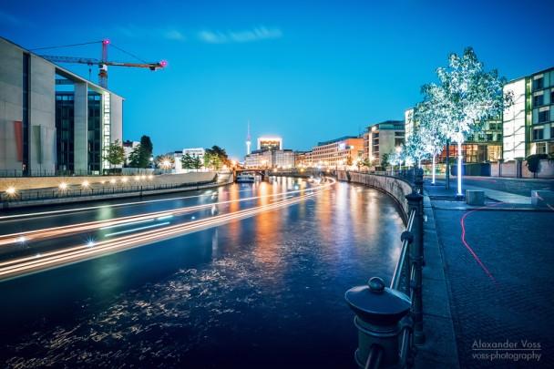 Berlin - Regierungsviertel / Reichstagufer