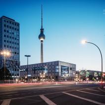 Blaue Stunde in Berlin: Alexanderplatz
