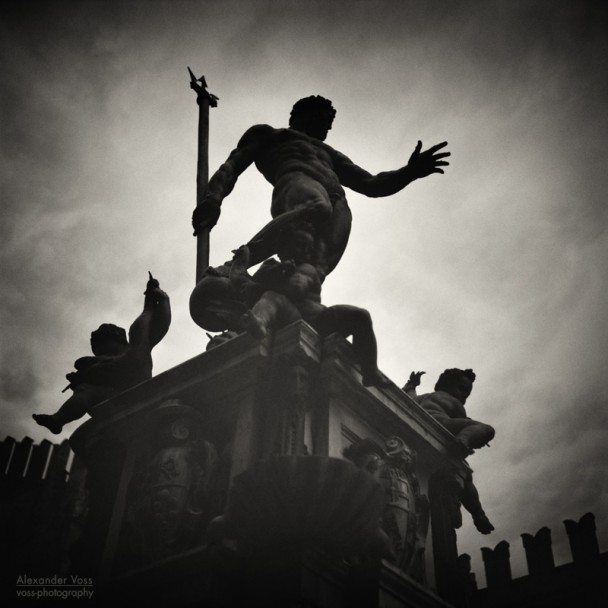 Analoge Schwarzweiss-Fotografie: Bologna - Fontana del Nettuno