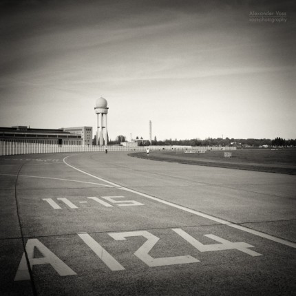 Analog Black and White Photography: Berlin – Tempelhofer Feld