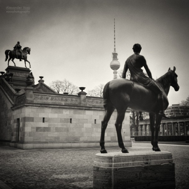 Analoge Schwarzweiss-Fotografie: Berlin - Alte Nationalgalerie