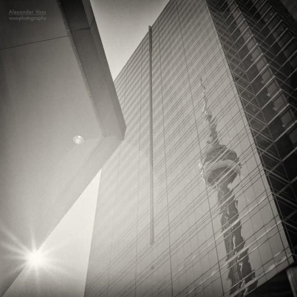 Analoge Schwarzweiss-Fotografie: Toronto - CN Tower