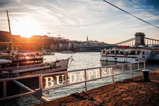 Budapest - Sonnenuntergang an der Kettenbrücke