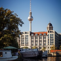 Berlin – Fernsehturm / Historischer Hafen