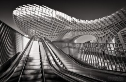 Schwarzweiss-Fotografie: Metropol Parasol, Sevilla