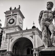 Schwarzweiss-Fotografie: Udine – Piazza della Libertà