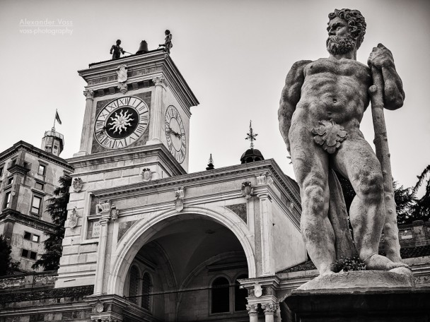 Schwarzweiss-Fotografie: Udine - Piazza della Libertà