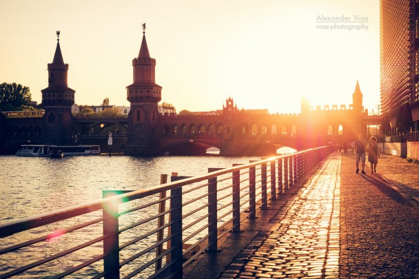 Berlin - Spreeufer an der Oberbaumbrücke