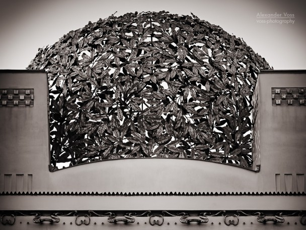 Black and White Photography: Vienna - Secession Building