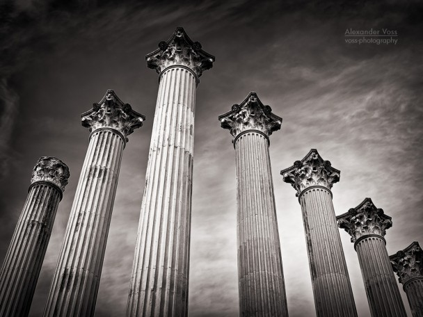 Black and White Photography: Córdoba - Templo Romano