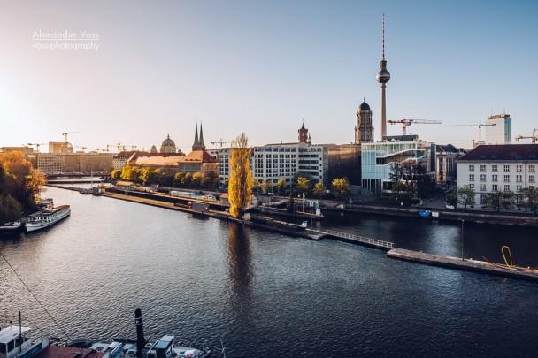 Berlin - Skyline / Historischer Hafen