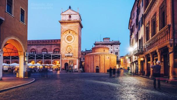 Mantua - Piazza delle Erbe