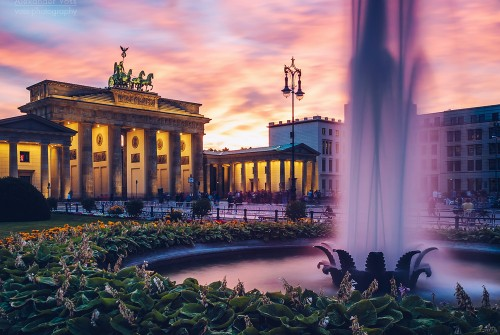 Berlin – Brandenburg Gate / Pariser Platz Square