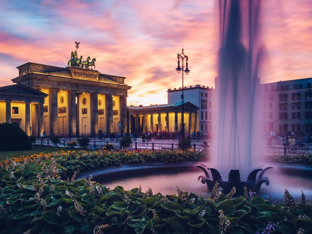 Berlin - Brandenburg Gate / Pariser Platz Square