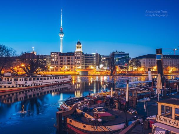 Berlin in Winter - Historischer Hafen Museum Harbour