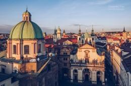 Prager Altstadt – Dachlandschaft im Sonnenuntergang