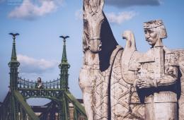 Budapest – St.-Stephan-Skulptur / Freiheitsbrücke