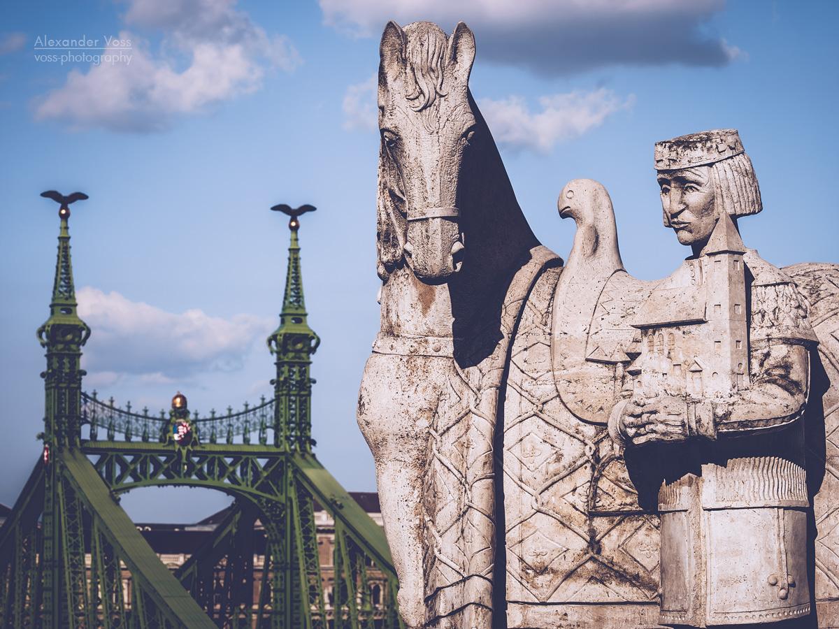 Budapest – Saint Stephen Monument / Freedom Bridge