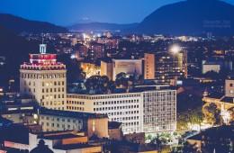 Ljubljana bei Nacht / Nebotičnik