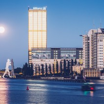 Berlin – Treptowers / Molecule Man