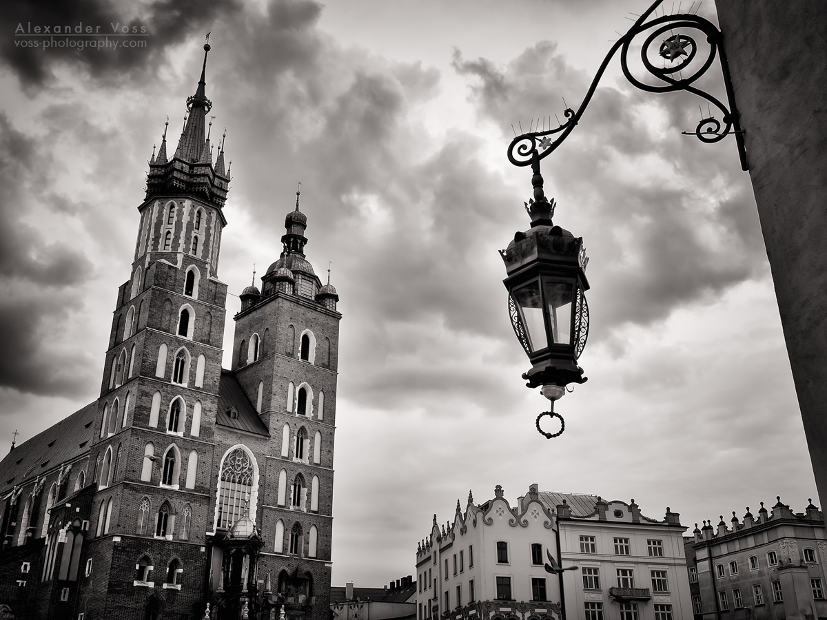 Black and White Photography: Kraków – St. Mary's Basilica
