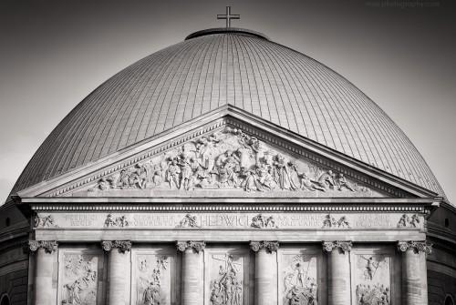 Schwarzweiss-Fotografie: Berlin – St.-Hedwigs-Kathedrale