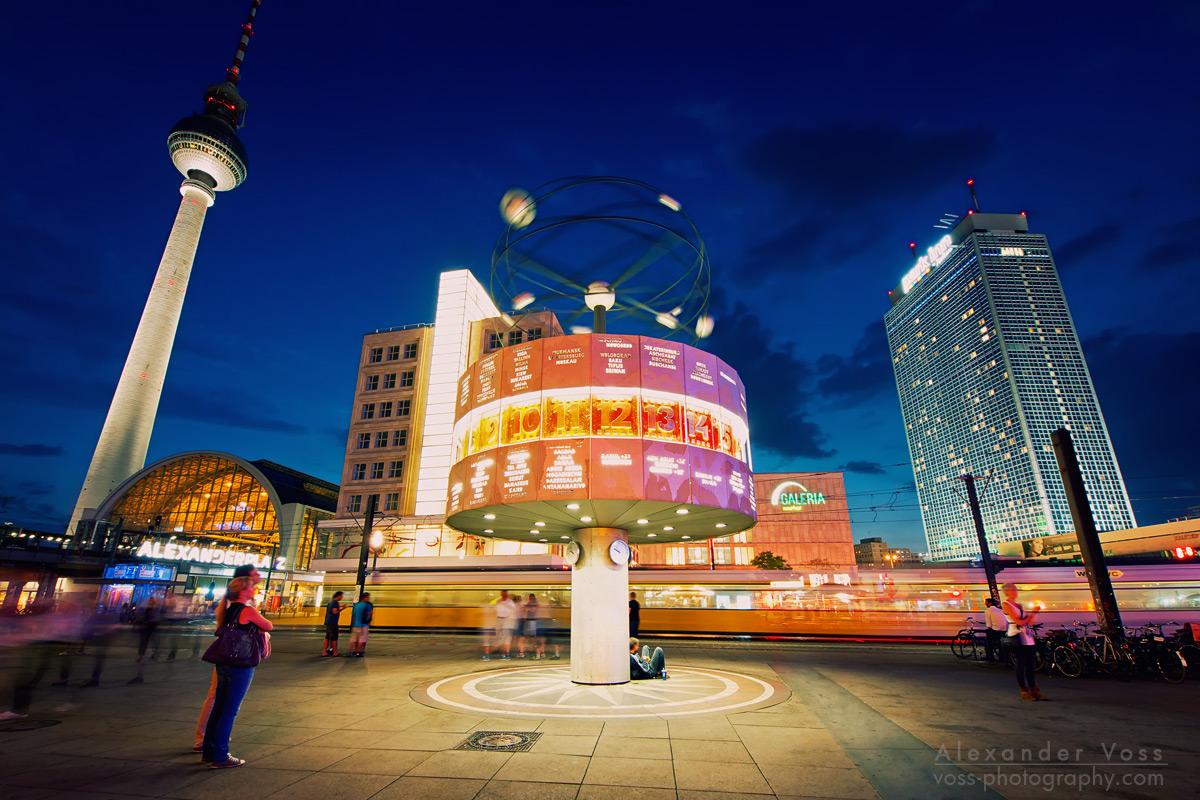 Die Weltzeituhr auf dem Berliner Alexanderplatz