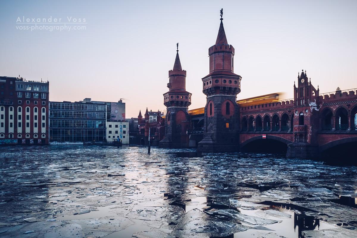 Oberbaumbrücke Berlin im Winter